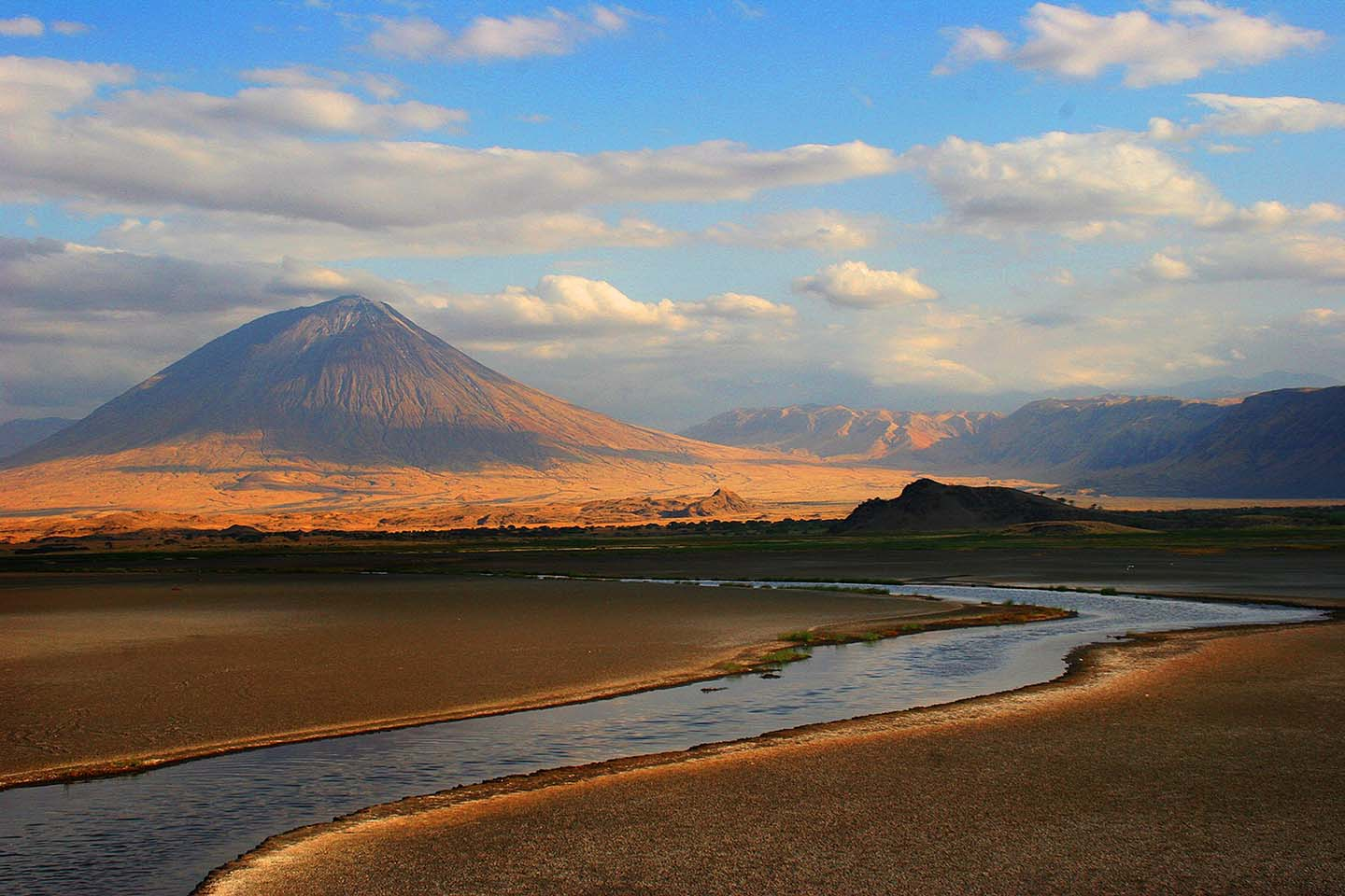 Am Lake Natron