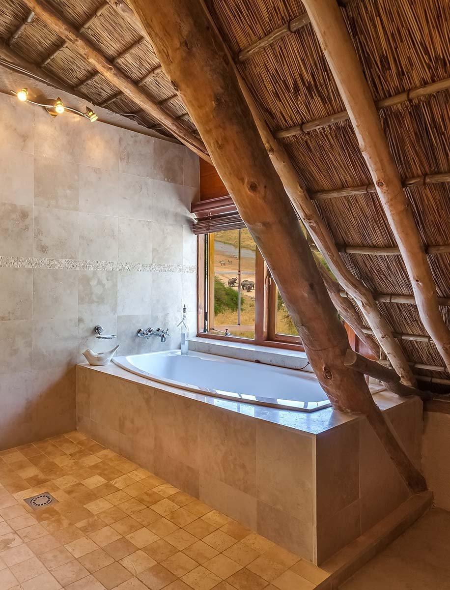 Bad mit Aussicht, Kolonialstil