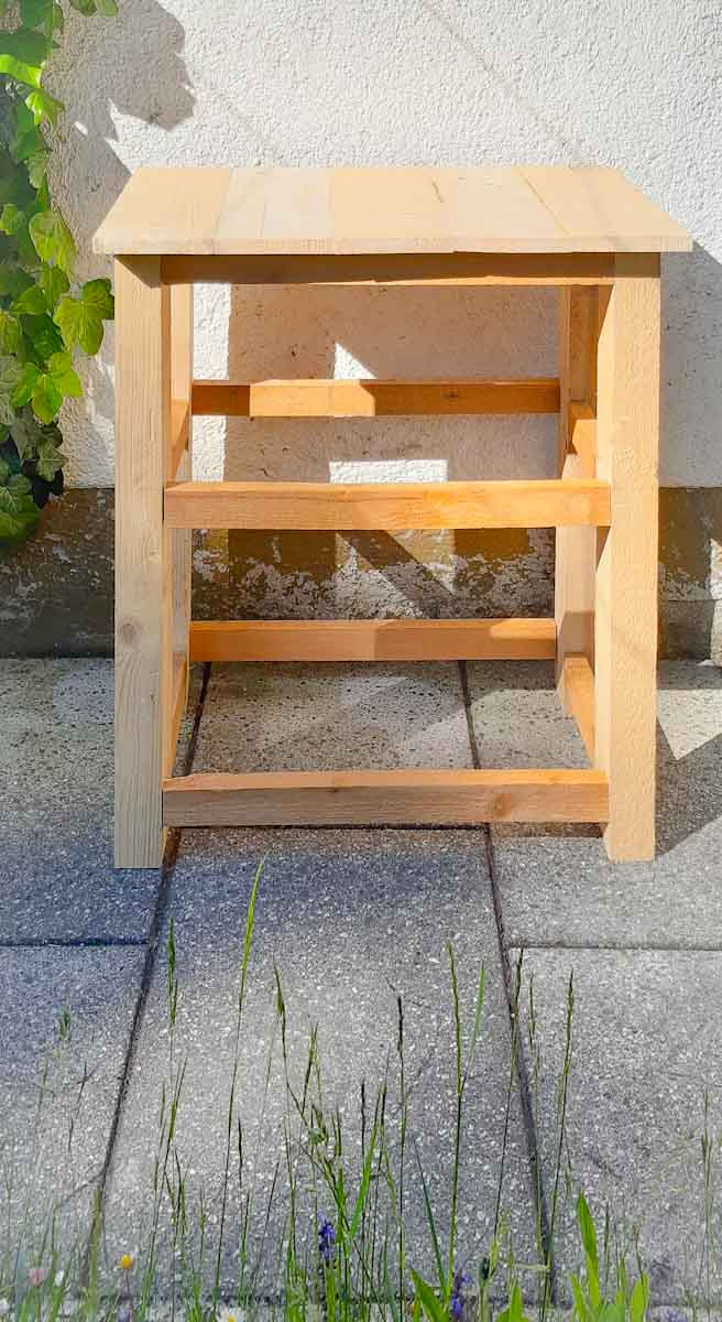 Wegwerfartikel Holz weiterverwendet