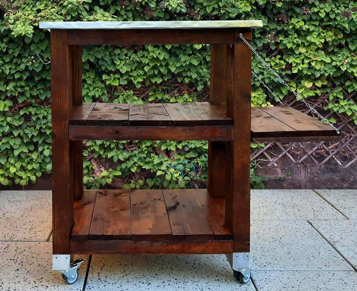 Garten-Tischregal, DIY, selbstgebaut, Upcycling einer Transportkiste