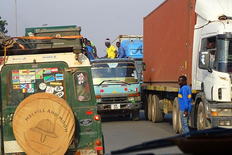 Dichter Verkehr in Tunduma