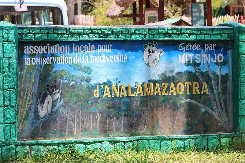 Schild am Parkeingang Mitsinjo