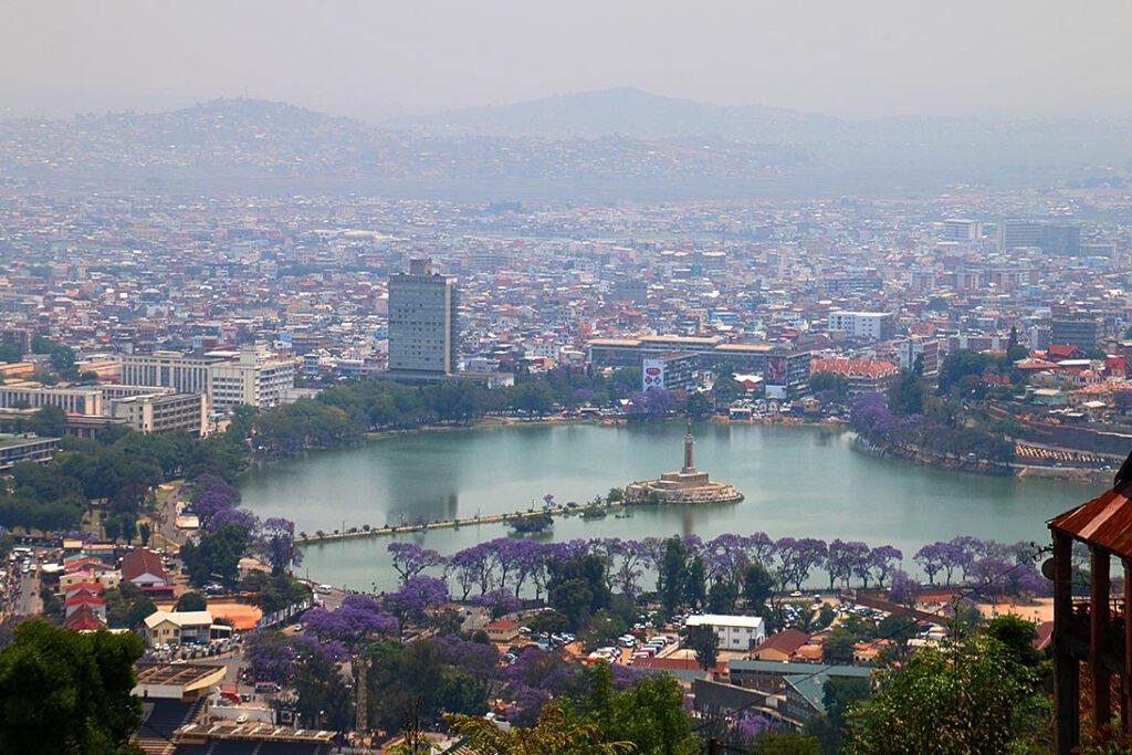 Antananarivo, Sicht vom Rovaauf Lake Anosy